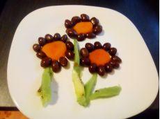 Decorațiuni cu fructe trase în ciocolată